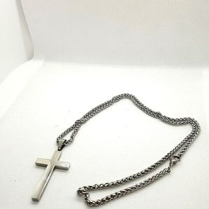 😍2for25$ Stainless steel cross necklace.